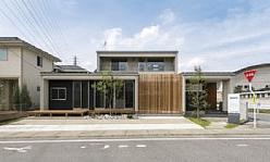 住宅街のなかにあるシンプルデザインの高機能住宅_画像